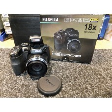Fujifilm Finepix S2500HD 12.2 Mega Pixel HD Digital Camera