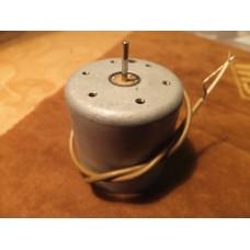 Hitachi 11v Cassette Tape Deck Motor 5576441 *NP
