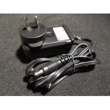 LG Phihong AC Adaptor 9v DC 1.112A PSA-11R-090 for Hitachi Shaver etc.