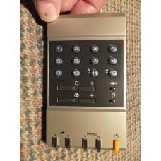 Hitachi CLE-840 CLE840 TV Remote Control 2582661 CMT2083 CMT2084 CMT2085 CMT2686